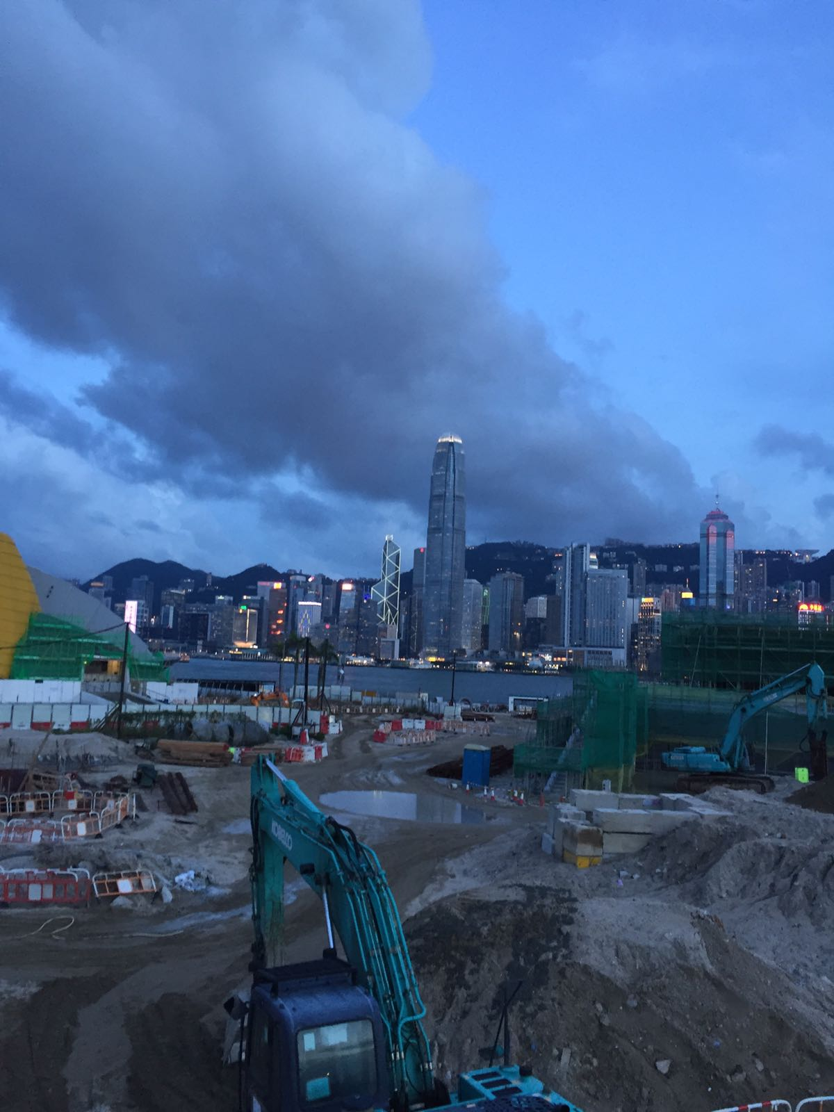 Developing West Kowloon Cultural District & Victoria Harbour
