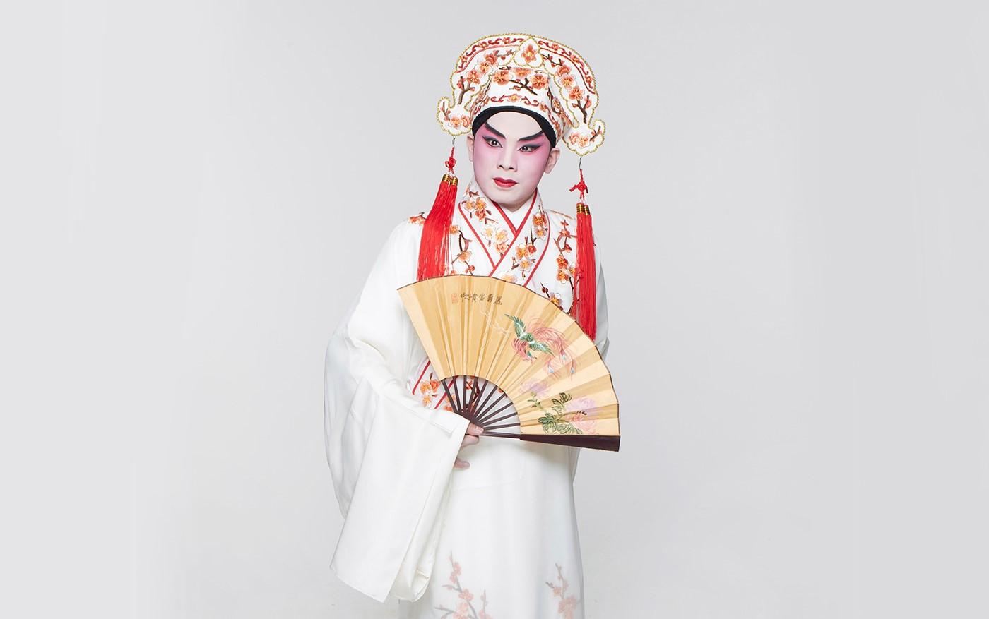 Rising Star Ruan Dewen as Wang Zi-mei