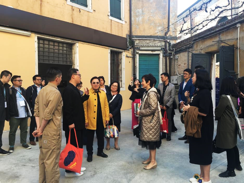 Samson Young and Doryun Chong (Deputy Director & Chief Curator of M+), with Wilfred Wong (Chairman of Hong Kong Arts Development Council) and guests from Singapore